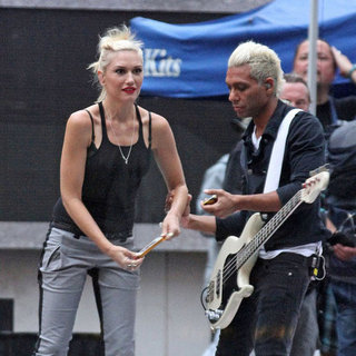 Gwen Stefani Rehearsal Pictures With No Doubt NYC