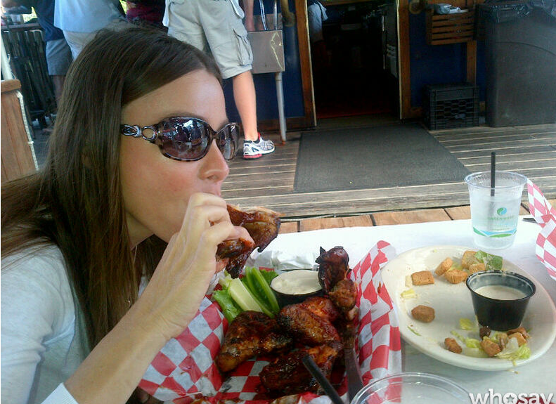 Sofia Vergara ate chicken wings. Source: Sofia Vergara on WhoSay