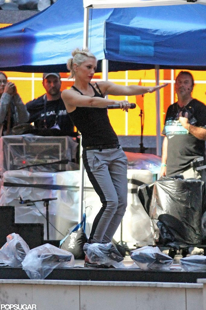 Gwen Stefani danced on stage in NYC.