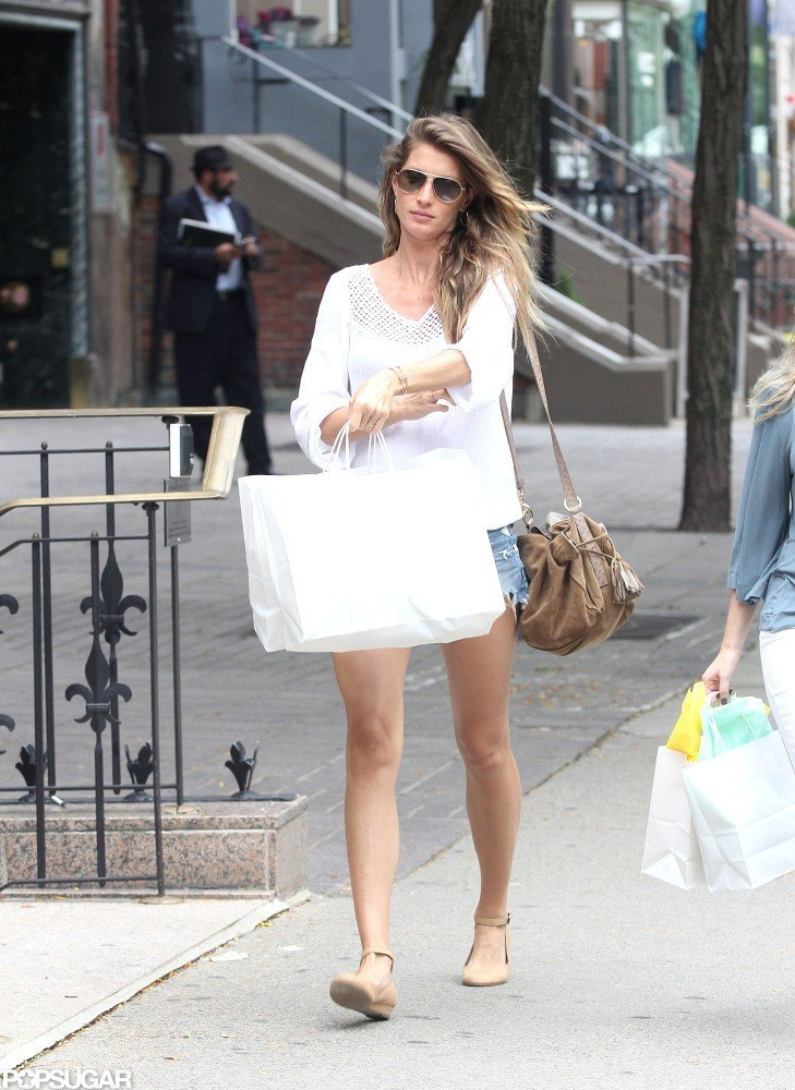 Gisele Bundchen picked up some new items while shopping on Newbury Street.