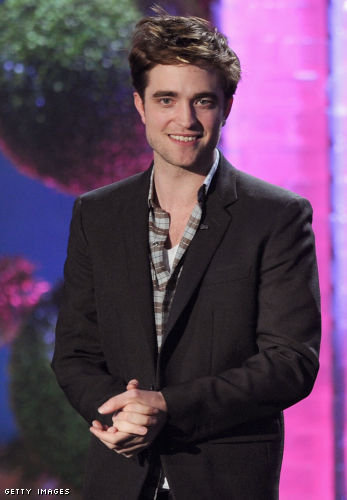 Watch Robert Pattinson on the VMAs