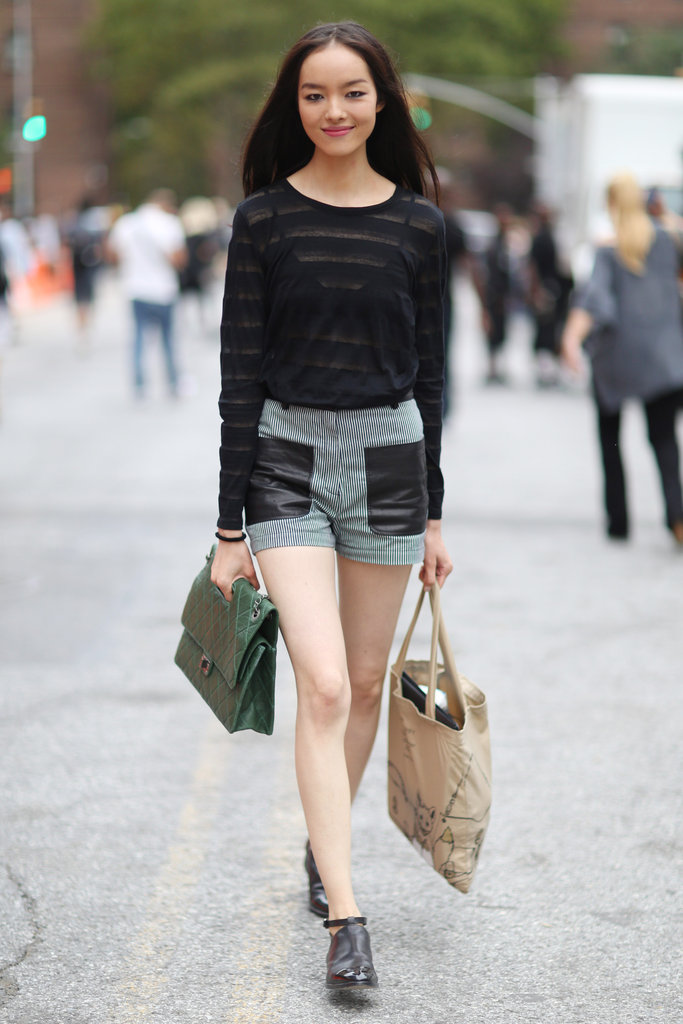 Easy, breezy, with just a touch of Fall via a long-sleeved tee and leather on her pockets. Source: Greg Kessler