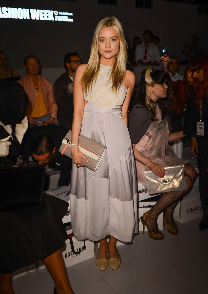 Laura Whitmore held a cute clutch at the Bora Aksu show.