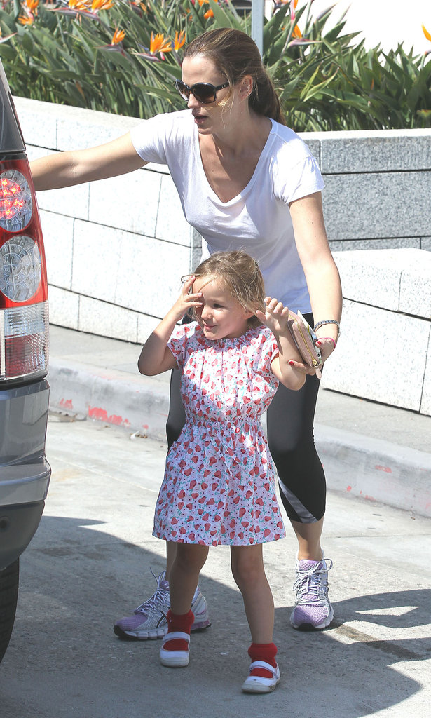 Jennifer Garner led Seraphina Affleck to the car.