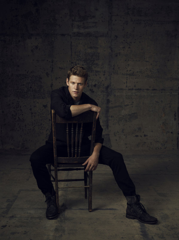Zach Roerig as Matt on season four of The Vampire Diaries.
