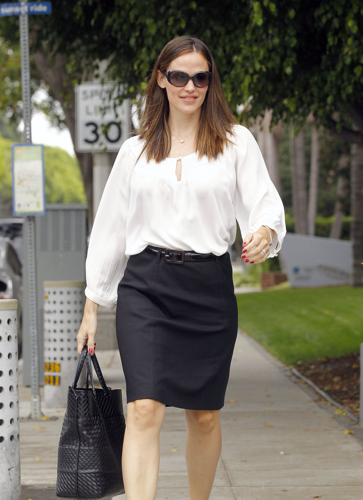 Jennifer Garner dressed professionally for a meeting.