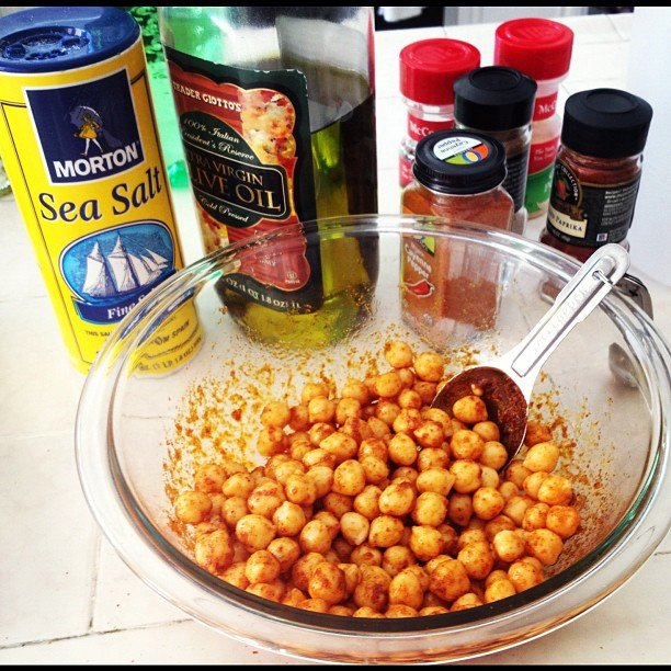 Spicy chickpeas is a snack we can definitely get behind! Crunchy with just the right amount of heat, it's the perfect healthy alternative to potato chips. Source: Instagram User  tmtossey