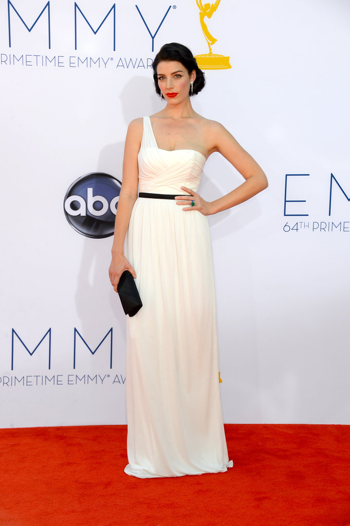 Mad Men's Jessica Paré looked elegant and timeless at the Emmys.