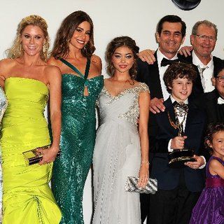Modern Family Cast Emmy Interview in Press Room