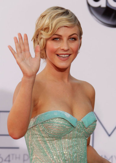 Julianne Hough gave a wave at the Emmy Awards.