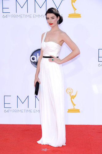Jessica Pare rocked a white gown.