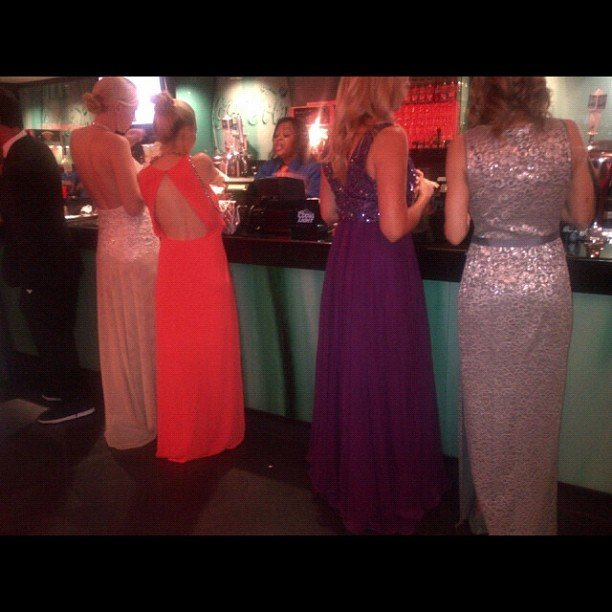 Even the line for the concession stands inside the Nokia Theatre was packed with ladies in gorgeous gowns.  Source: Instagram user marcmalkin