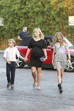 Reese Witherspoon went to dinner in Venice with Ava and Deacon.