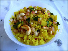 Flaked Rice & Potatoes (Bataka Pauva)