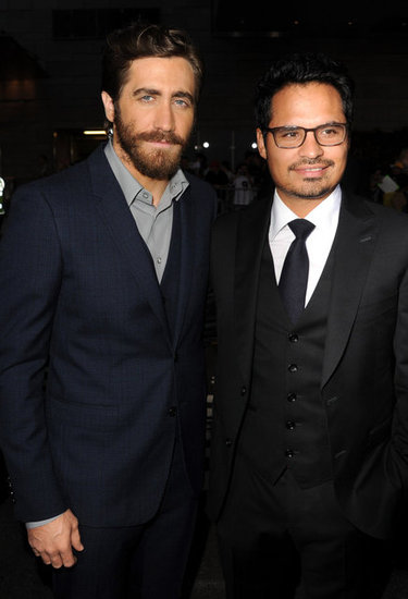 Jake Gyllenhaal posed with Michael Peña at their End of Watch premiere in LA.