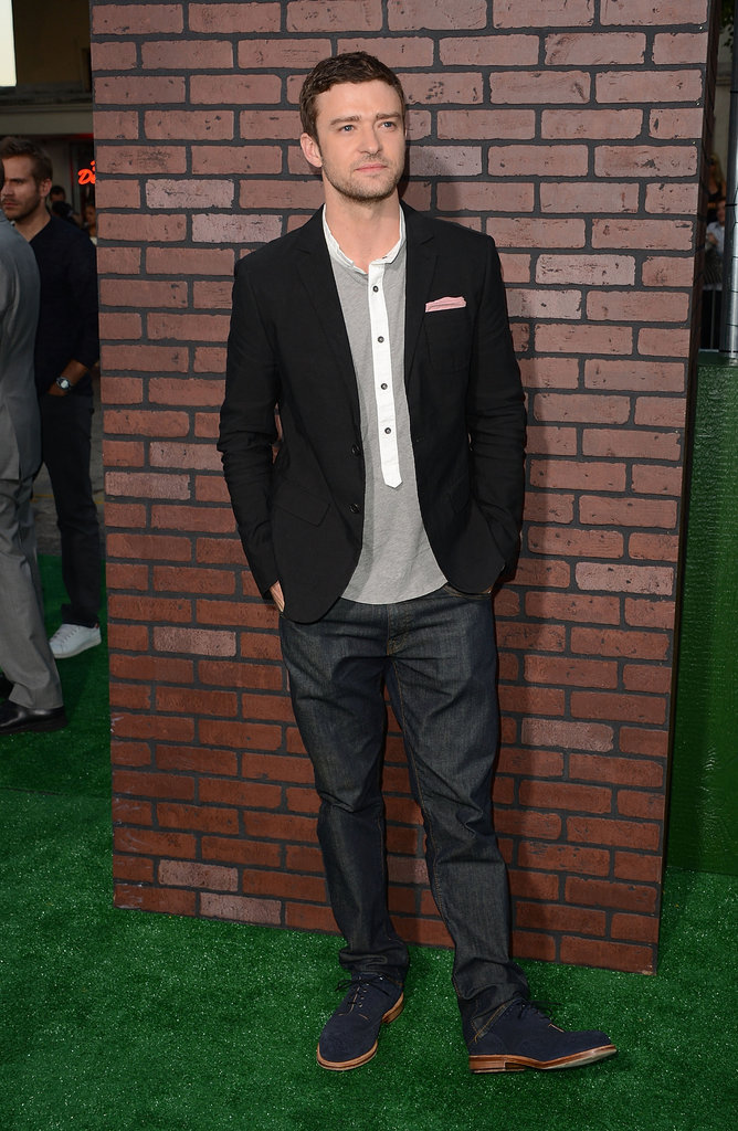Justin Timberlake posed at his Trouble With the Curve premiere in LA.