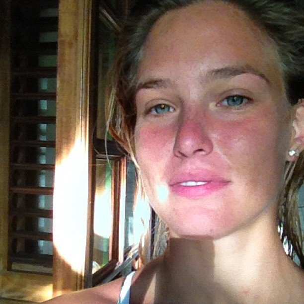 Bar Refaeli took a fresh-faced photo in the morning. Source: Instagram user barrefaeli
