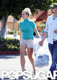 Britney Spears headed back to the car with her bags.
