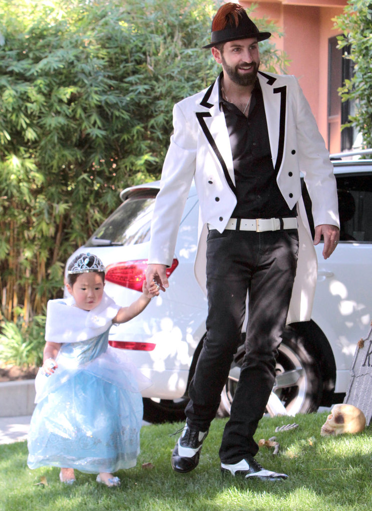 Josh and Naleigh Kelley stepped out in LA in Halloween gear in 2011.