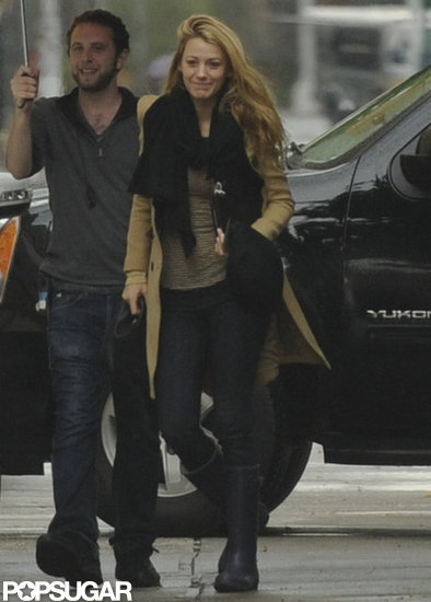 Blake Lively Brings Her Ring and a Smile to the Rainy Gossip Girl Set