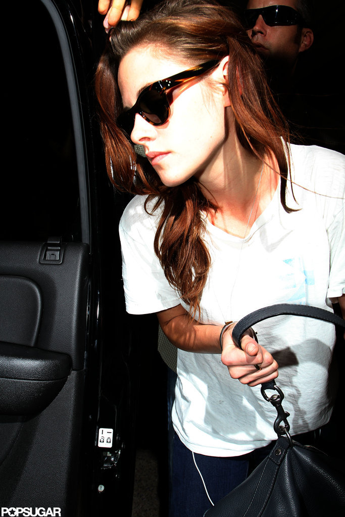 Kristen Stewart got into a car.