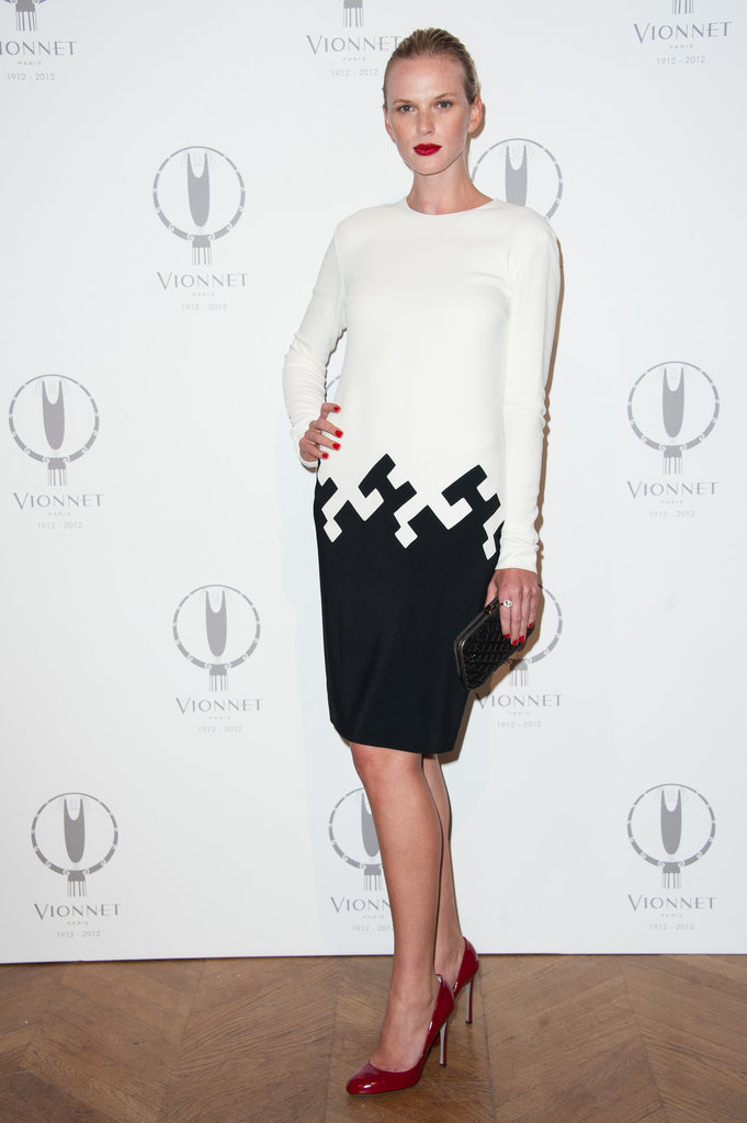 Anne V. played with red, white, and black — without ever making a loud splash — at the Vionnet party.