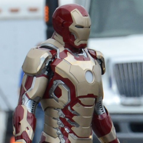 Robert Downey Jr. on the Set of Iron Man 3 | Pictures