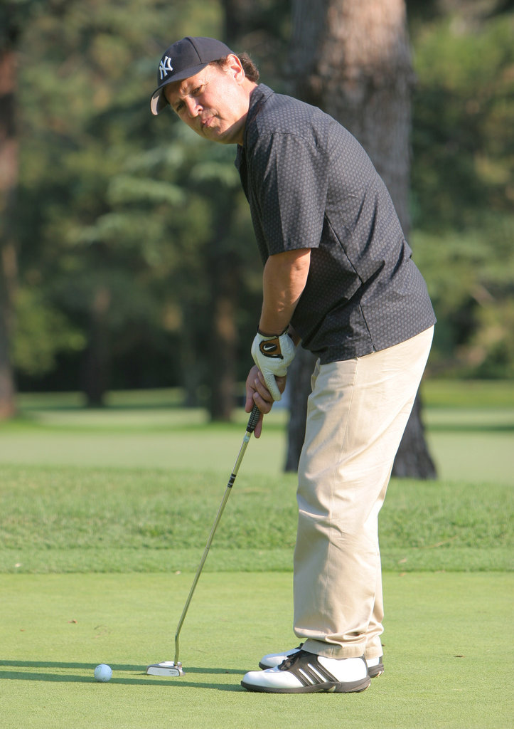 Billy Crystal putted on a course in Burbank, CA, in August 2006.
