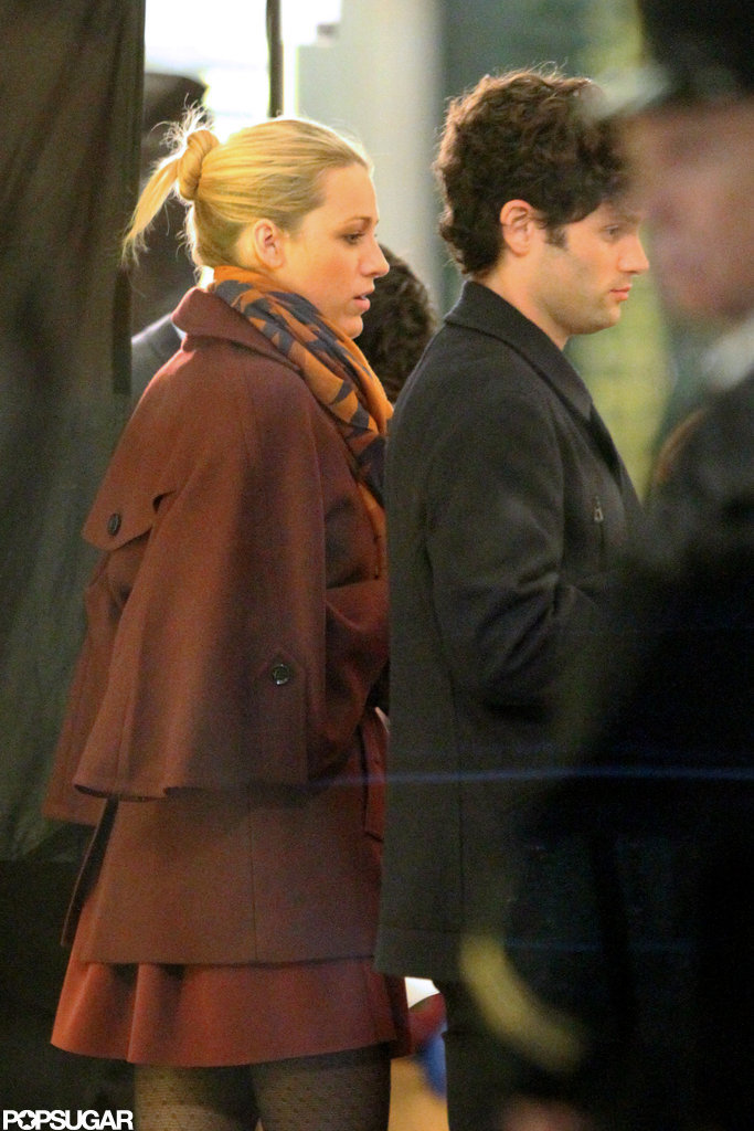 Blake Lively Gets Close to Penn Badgley For the Cameras