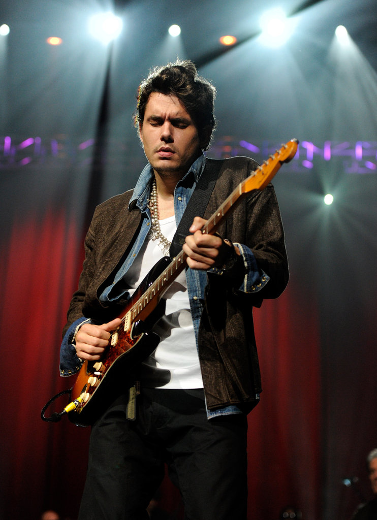 John Mayer concentrated on the music.
