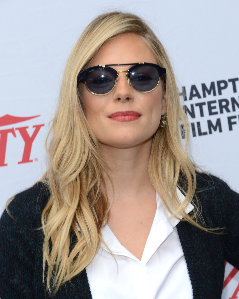 Sienna Miller sported a pair of sunglasses to pose at a brunch during the Hamptons International Film Festival.