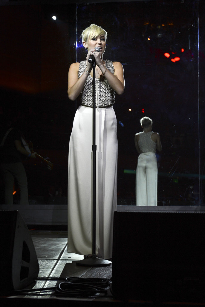 Miley Cyrus performed at the City of Hope charity's gala.