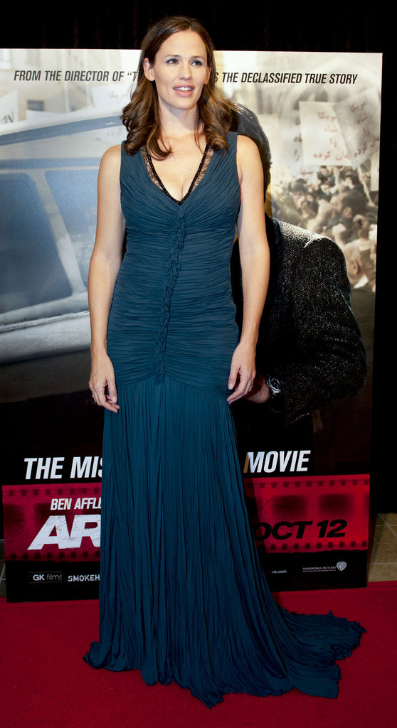 Jennifer Garner glammed up in a mermaid-silhouette Roberto Cavalli gown for the premiere of Argo in DC.