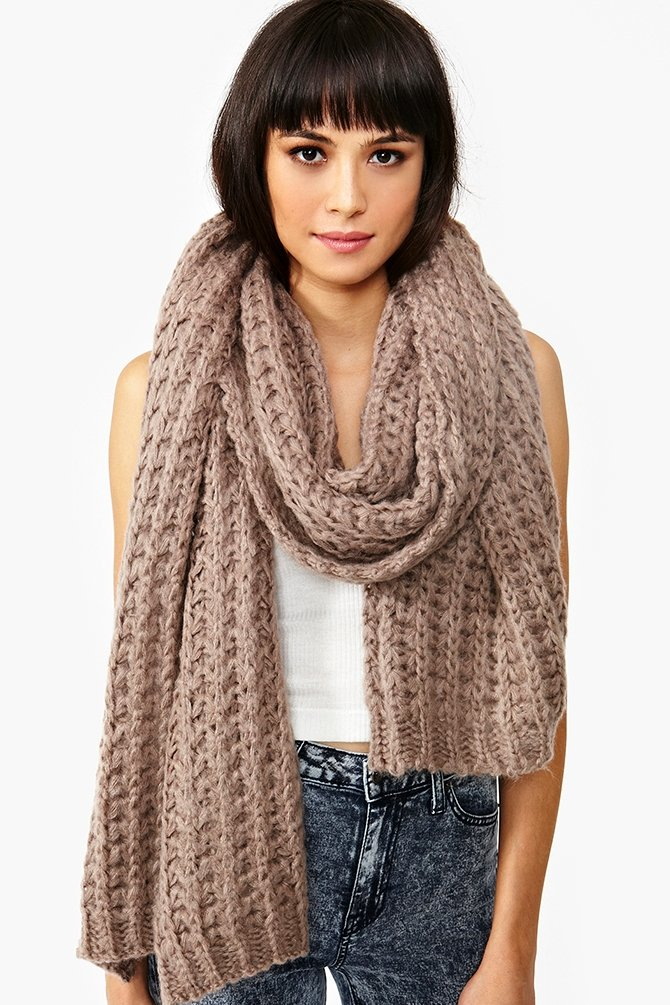 In the most perfect shade of muted mauve and in an oversize waffle knit, this Nasty Gal Jasper scarf ($38) won't tire of styling possibilities.