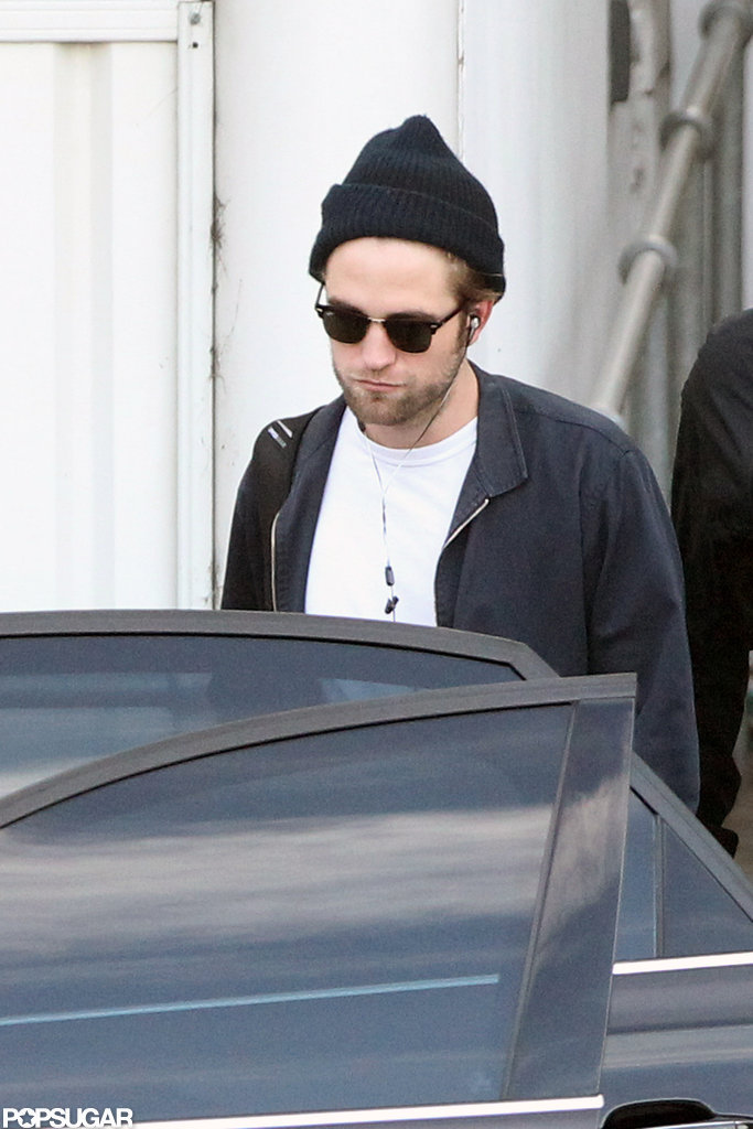 Robert Pattinson got off of the plane in Sydney.