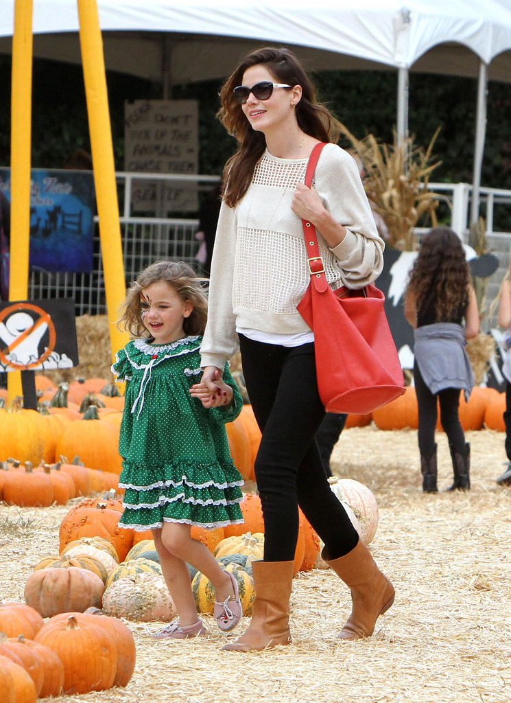 At a pumpkin patch in West Hollywood, Michelle Monaghan guided her little one, Willow, through the pumpkins.