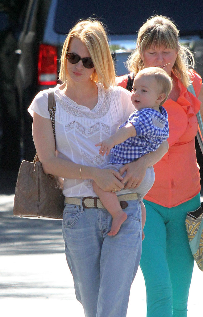 January Jones carried Xander Jones in Pasadena.