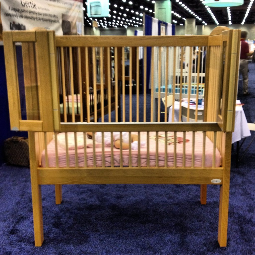 I happened upon this unusual crib while walking the floor.