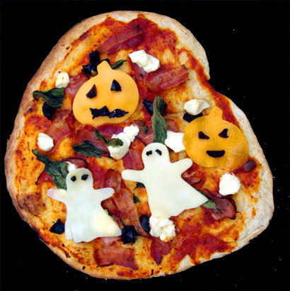 Easy Halloween Pizza