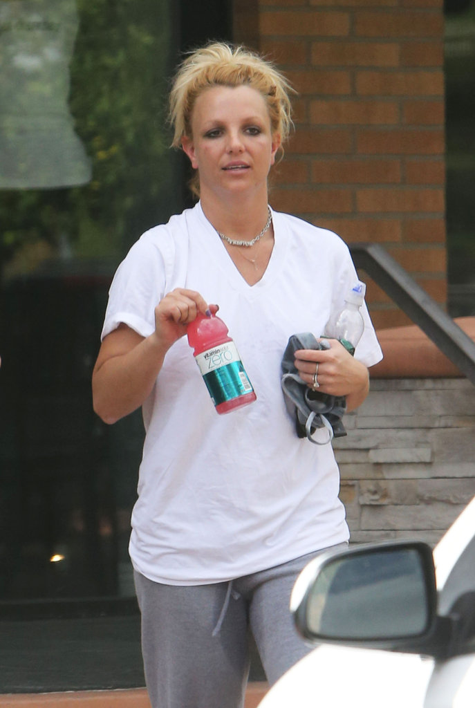 Britney Spears headed back to her car after working out.