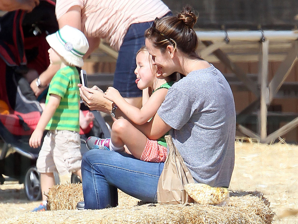 Jennifer Garner and middle daughter Seraphina enjoyed some time together in LA.