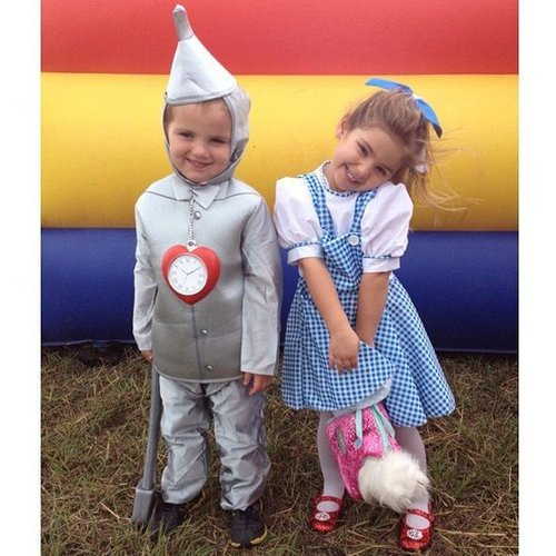 Bob Saget snapped his adorable niece and a friend in costume.  Source: Instagram user realbobsaget