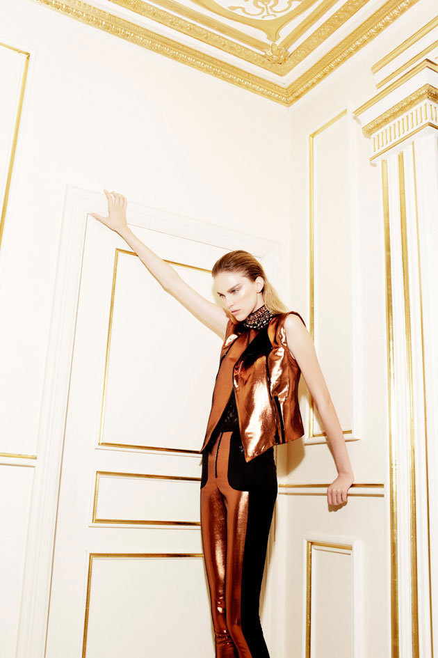 Camilla and Marc Shapes Up for A Radical Resort '12