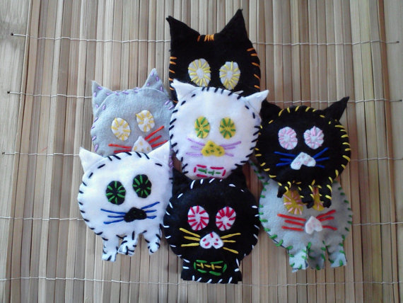 Eco-Friendly Felt Cat Brooches