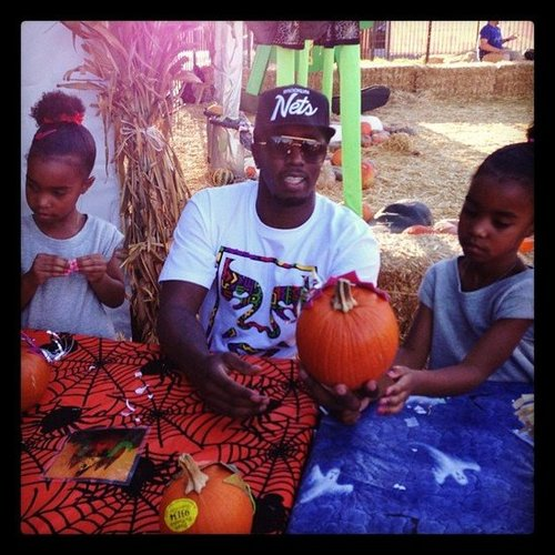 Diddy and his daughters hung out at a pumpkin patch.  Source: Instagram user iamdiddy