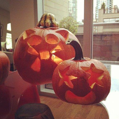 Rachel Roy got creative with pumpkin art while waiting for her power to return in NYC. Source: Instagram user rachel_roy
