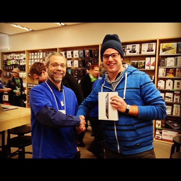 """And there's the handoff! 1st guy in line on launch day. My bandmate haha. :)"" — ninjakittyhacker Source: Instagram user ninjakittyhacker"