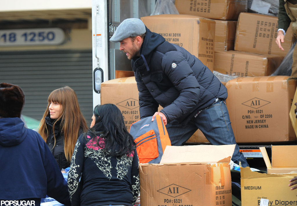 Justin Timberlake unloaded a truck.