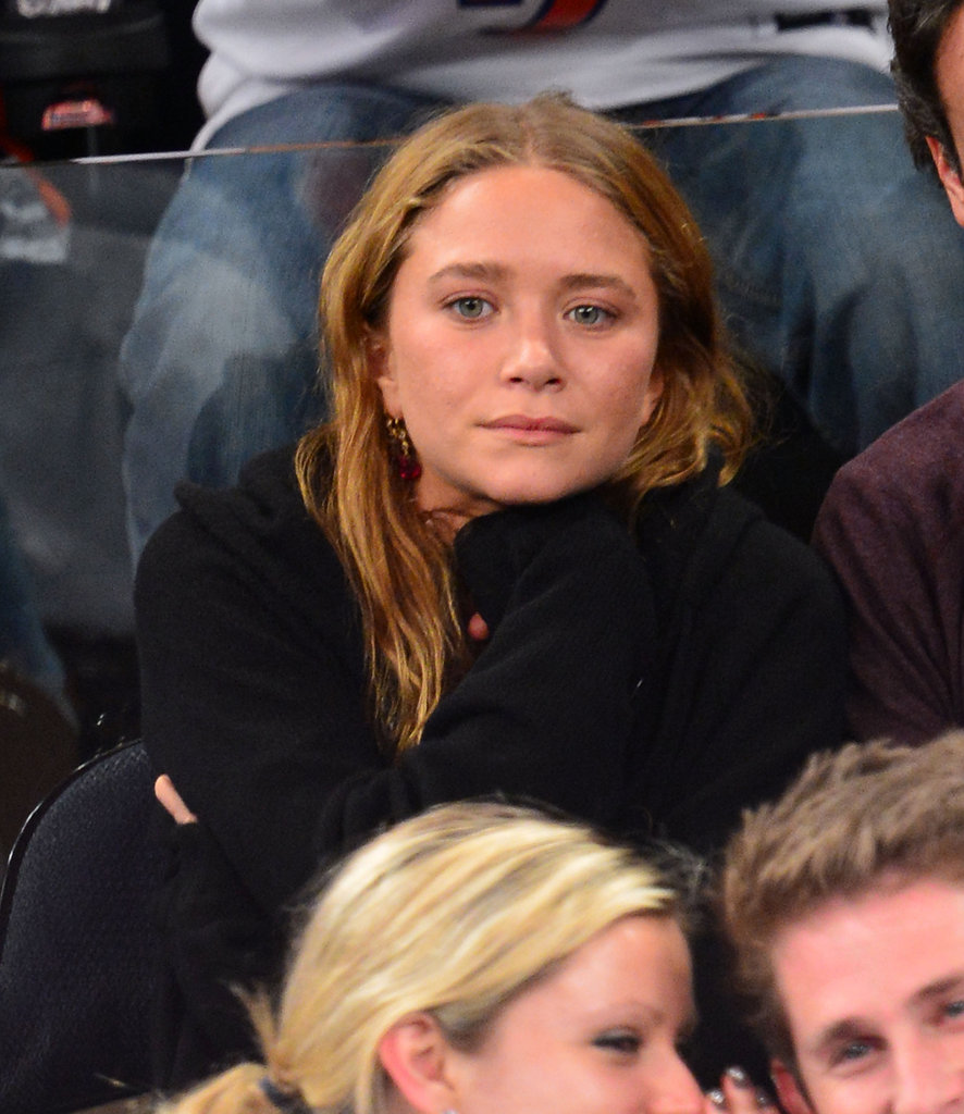 Mary-Kate Olsen watched the New York Knicks game.