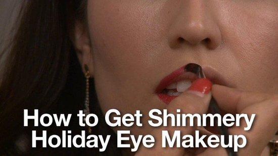 How to Get Holiday Party Makeup